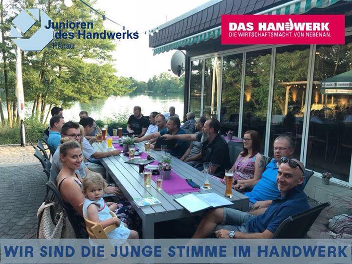 Heute ist unser Stammtisch, es freut uns sehr, dass so viele gekommen sind an diesem Schönen sonnigen Abend.  #einfachmachen #JuniorendesHandwerks #Handwerksjunioren #Hanau #Handwerk #dasHandwerk #Hessen #See #WirsinddiejungeStimmeimHandwerk