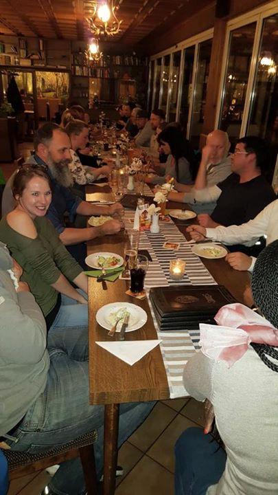 Gestern bei unserem Stammtisch Gabe es einen neuen Rekord mit 30 Personen 😎👍 Und wir freuen uns über 5 neue Mitglieder!  #einfachmachen #JuniorendesHandwerks #Handwerksjunioren #Stammtisch #HWJ #Handwerk #dasHandwerk #Hanau #Hessen #WirsinddiejungeStimmeimHandwerk